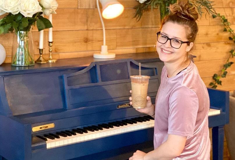 piano-bluefixeed-min