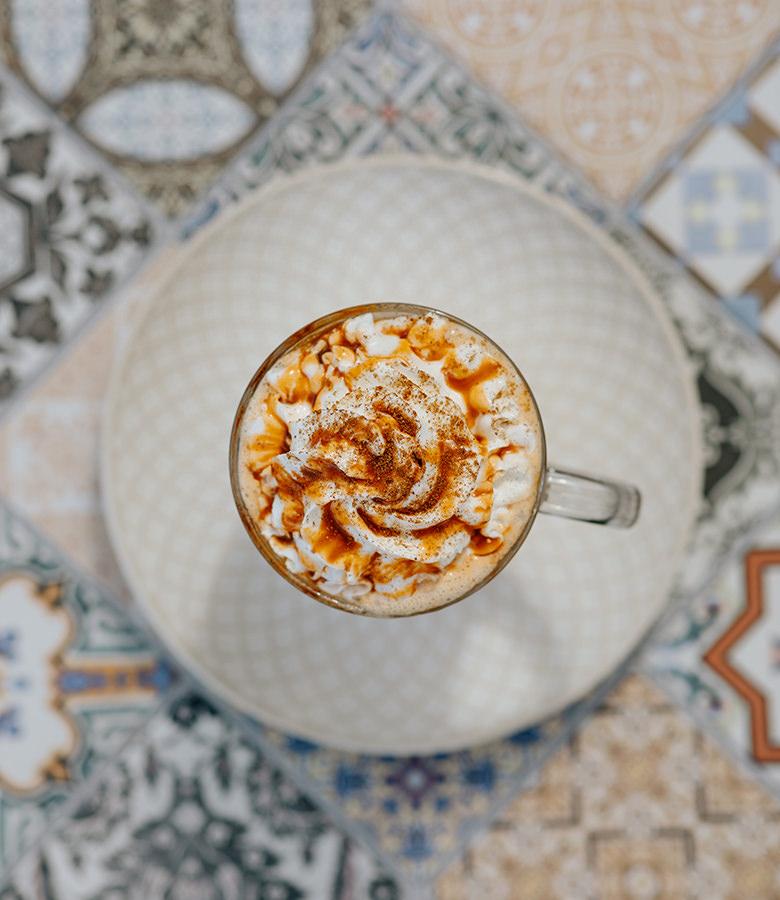 harvest-pumpkin-coffee-above